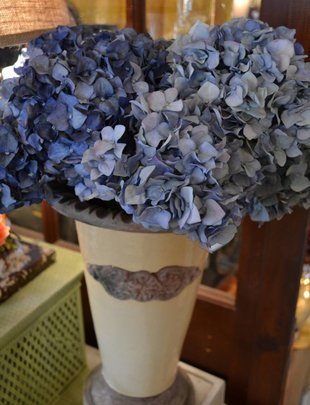 Pointed Hydrangea (3 Colors)