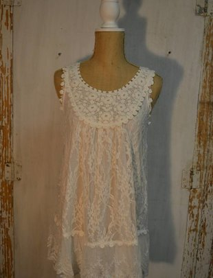 Crochet Bib Lace Tunic (2 Colors)