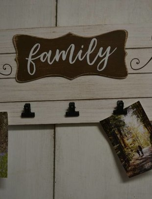 Family Multi Clip Photo Sign