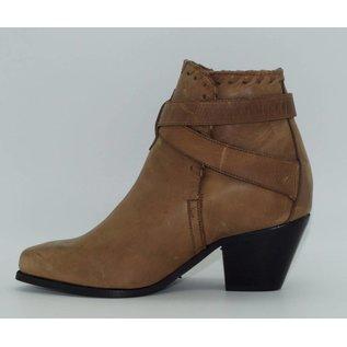 Dingo Women's Short Brown Western Boot 2242