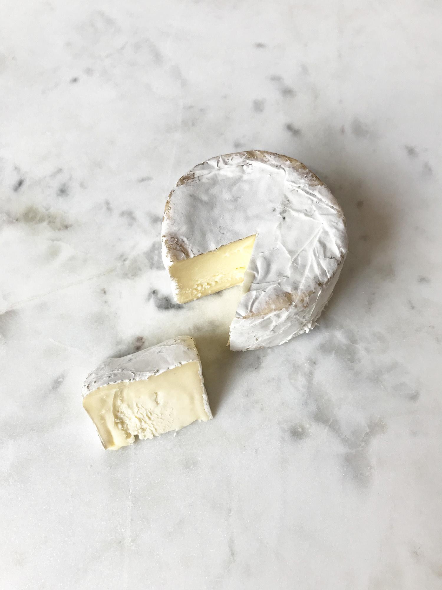 Nettle Meadow Mini Kunik Cheese-2