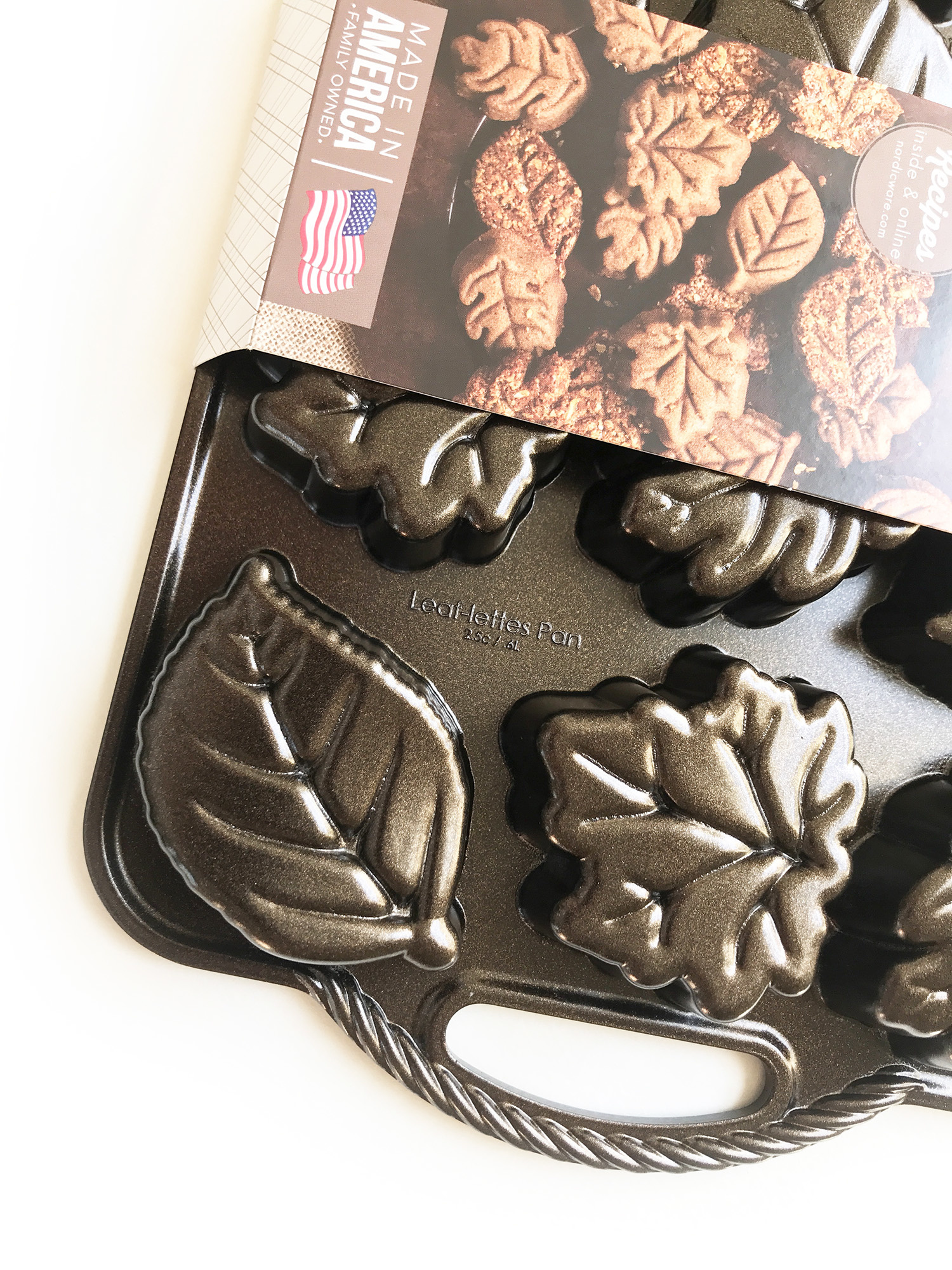 Nordic Ware Leaflettes Pan Bronze-1