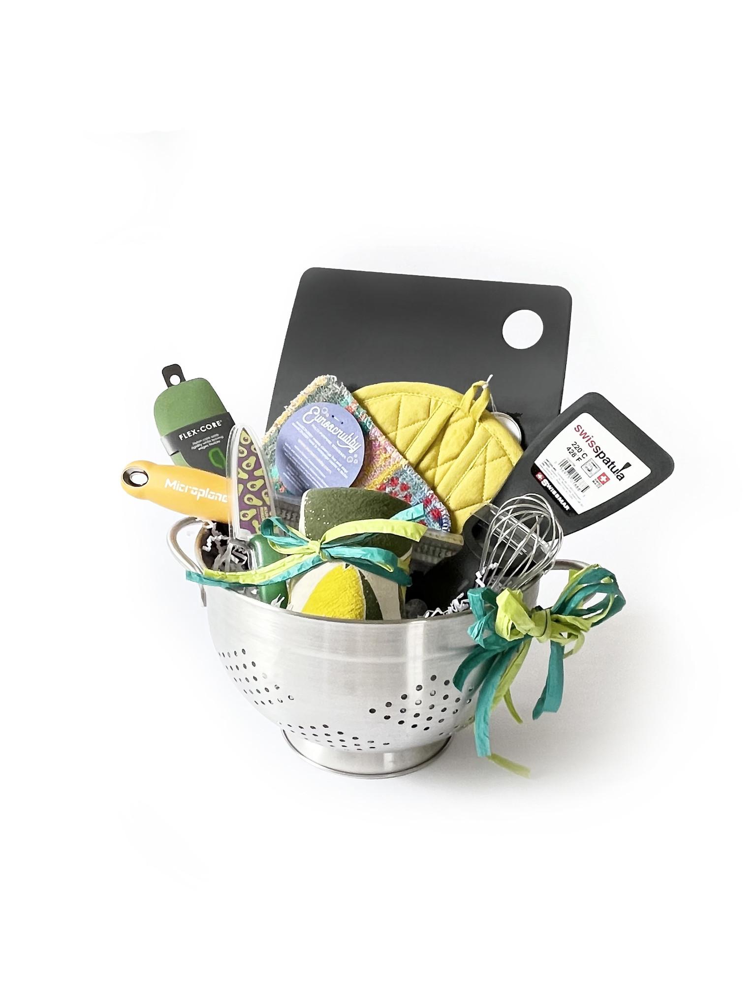 Kitchen Essentials Gift with Colander-1