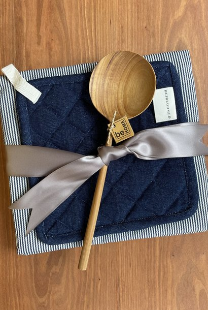 Kitchenwarming Gift Feat. Heirloomed Apron