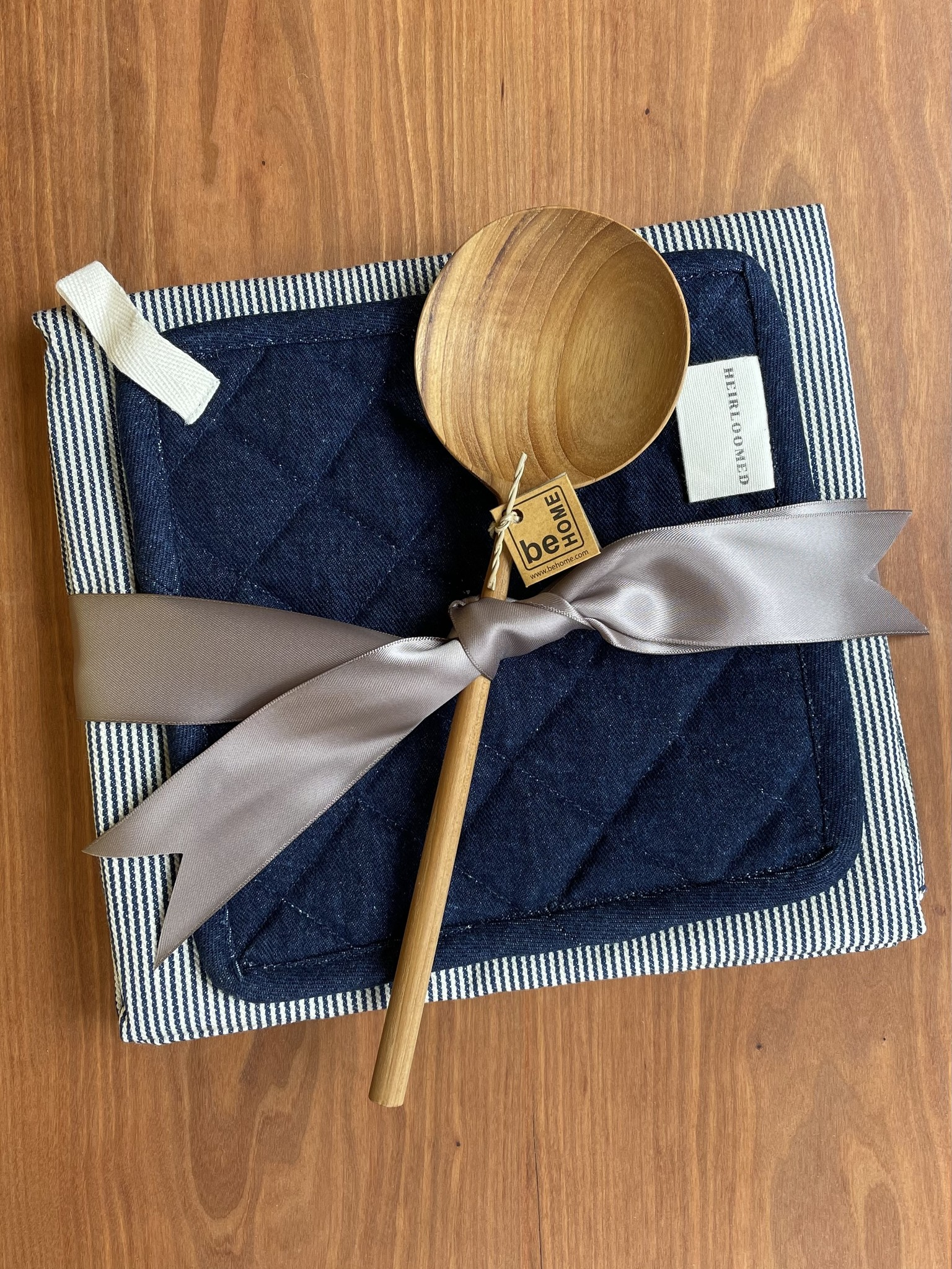 Kitchenwarming Gift Feat. Heirloomed Apron-1