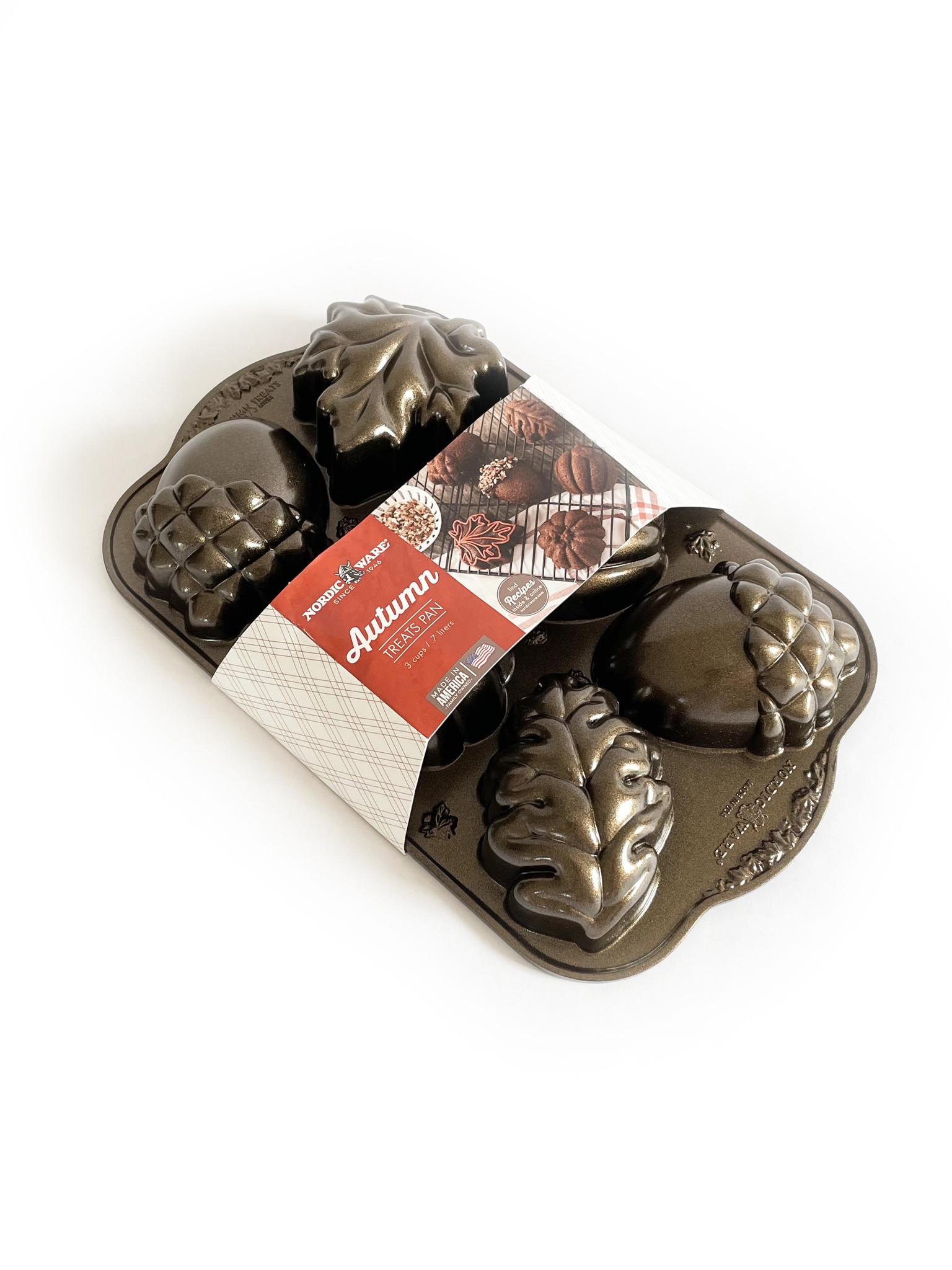 Nordic Ware Autumn Treats Cakelet Pan-2