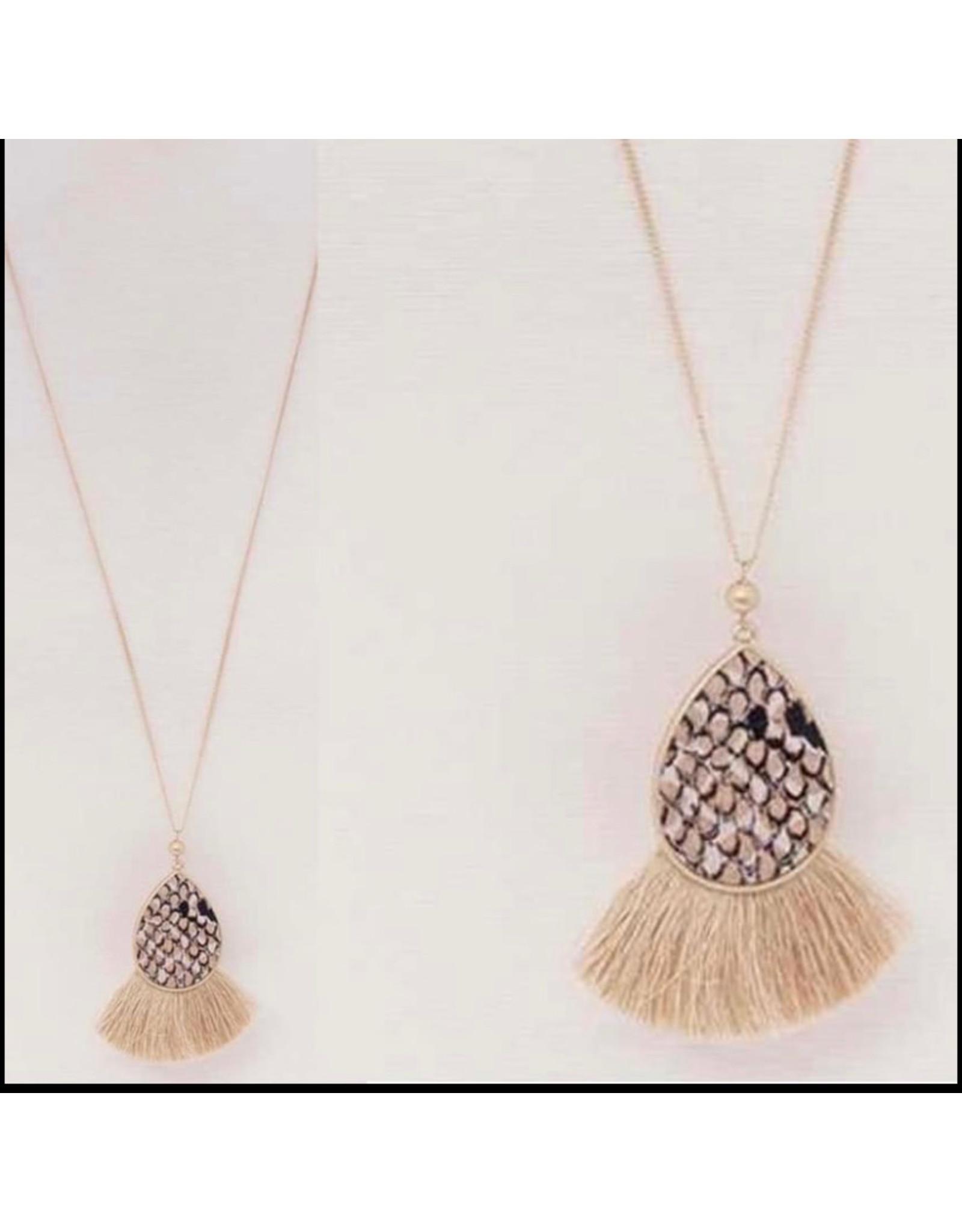 LATA Various Necklaces