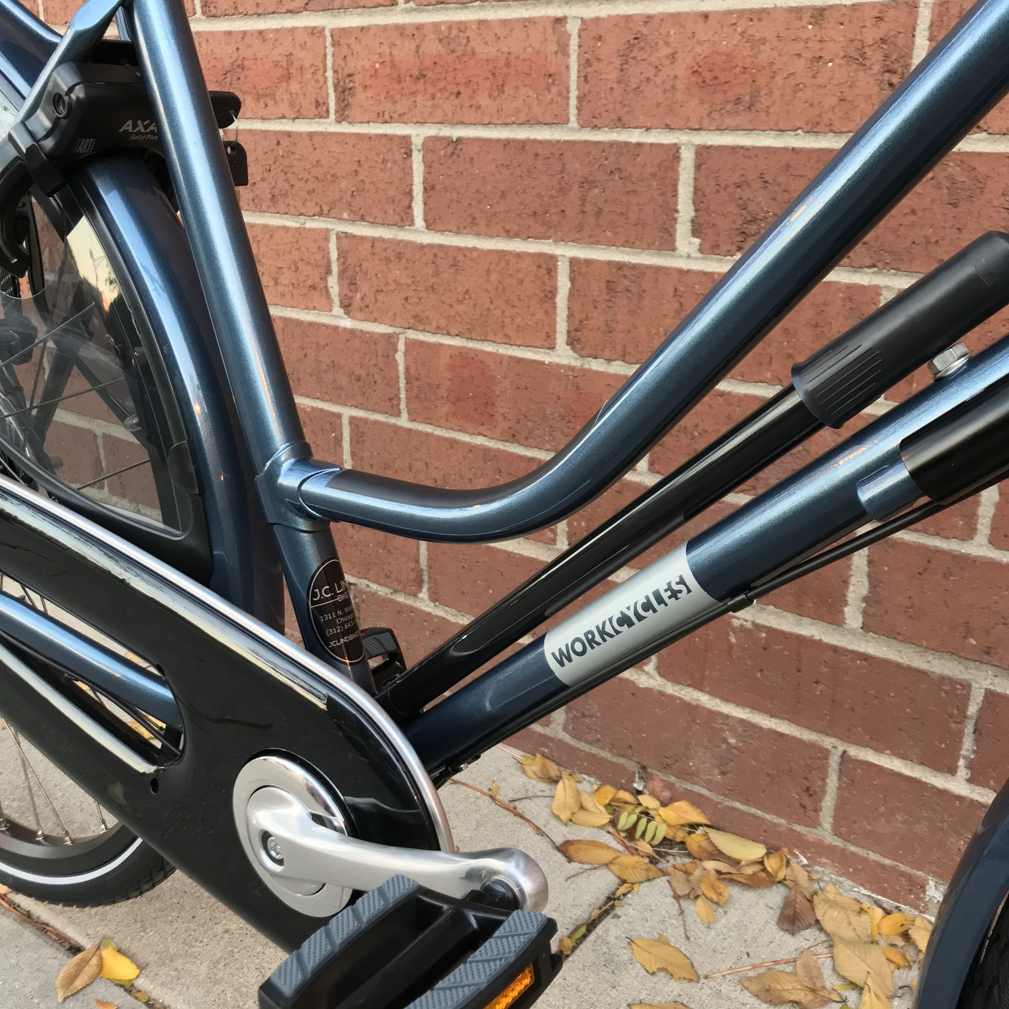 Workcycles Secret Service Step Through Gloss Anthracite Blue