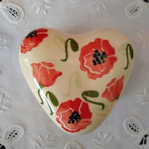 Peregrine Pottery peregrine pottery poppy heart box