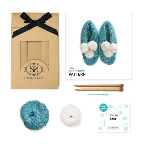 Stitch & Story Stitch & Story Lola Pom Slippers Beginner Set