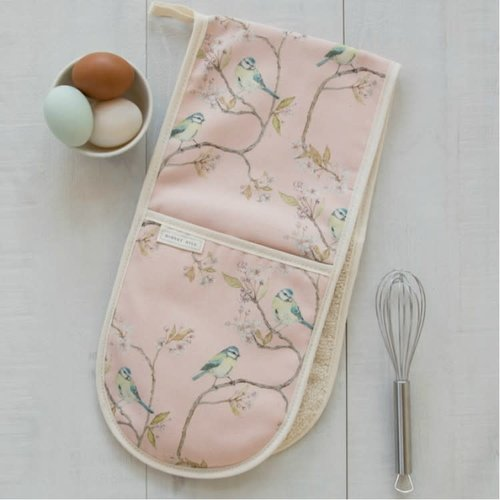 Mosney Mill Mosney Mill Blue Tit on Blossom Double Oven Gloves Ditsy Print (Pink)