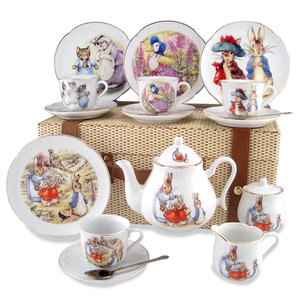 Reutter Porzellan Peter Rabbit Tea Set for 4 - Picnic Basket