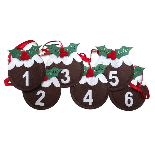 Plum Pudding Garland Advent Calendar