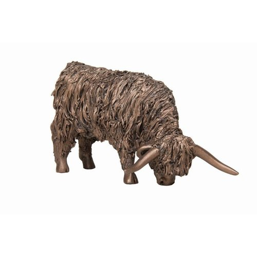 Frith Sculpture Frith Highland Cow Grazing VB074