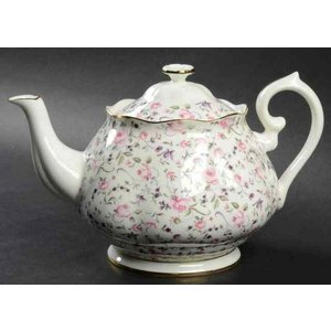 Royal Albert Rose Confetti Vent Teapot