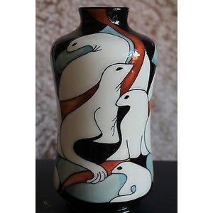 Moorcroft Pottery Moorcroft Seal Vase 98/8
