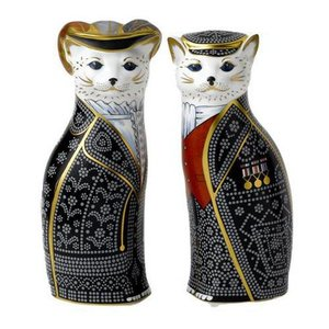 Royal Crown Derby Diamond Jubilee Pearly King and Queen