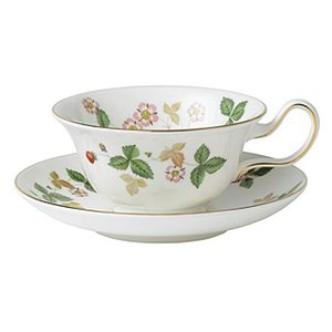 Wedgwood Wedgwood Wild Strawberry Teacup and Saucer