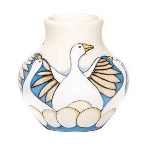 Moorcroft Pottery Twelve Days of Christmas 6 Geese a Laying Vase