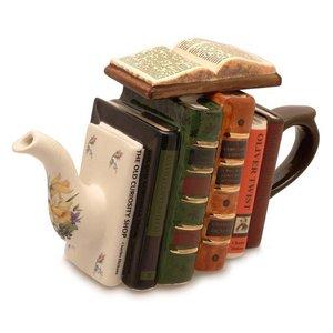 Carters of Suffolk Tony Carter Books Teapot - Sherlock Holmes
