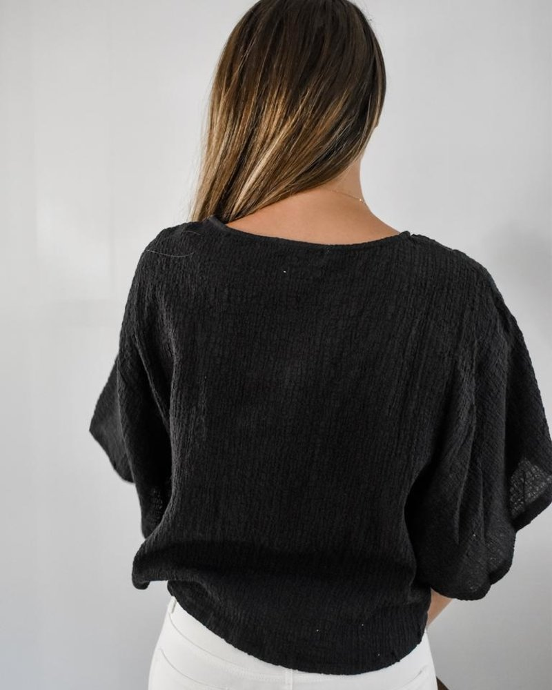 The Joanna Crinkle Top in black