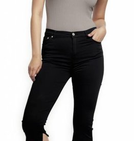 DEX SKINNY BLACK CAPRI w/SIDE SLIT