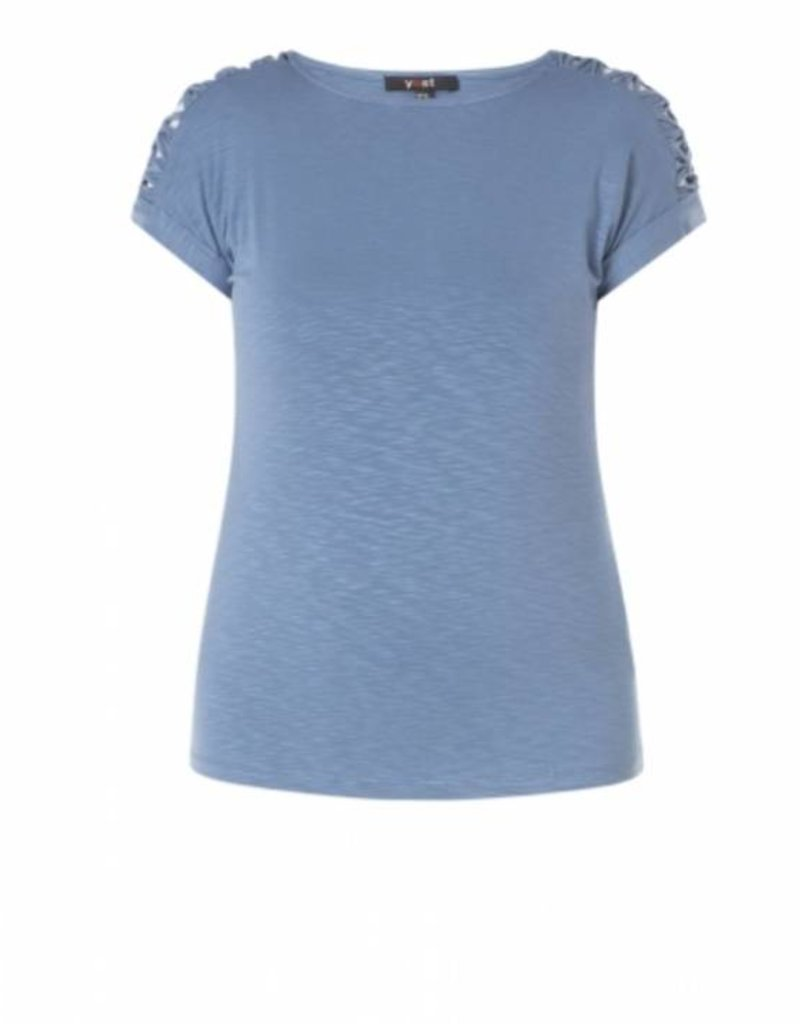 KNOTTED SHOULDER T-SHIRT