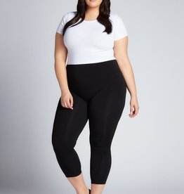 PLUS BAMBOO CAPRI LEGGING
