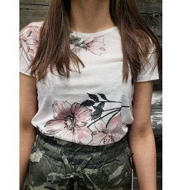 POINT ZERO FLORAL V-BACK T-SHIRT