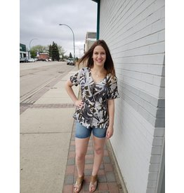 POINT ZERO CUFFED SHORT SLV BUTTON FRONT PRINTED TOP