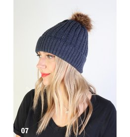 GRAND INT'L CABLE KNIT TOQUE w/REMOVABLE POM POM