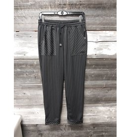 MOTION TIE FRONT STRIPED CUFFED PANT