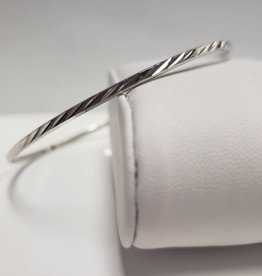 "STERLING SILVER ANGLE ETCHED BRACELET 2.50"" dia"