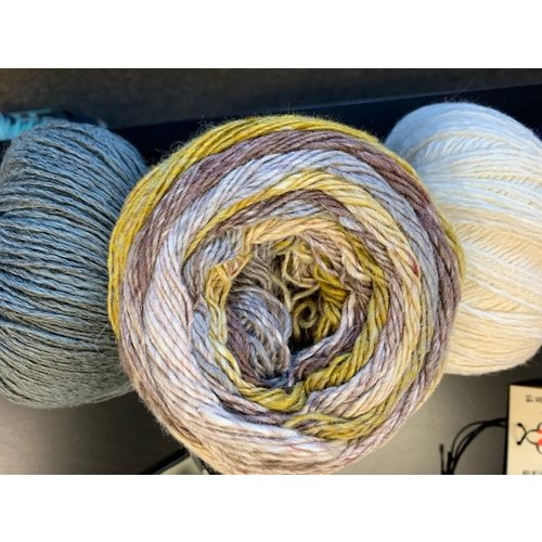 Purls of Wisdom Nightshift Shawl Kit - Summerlight