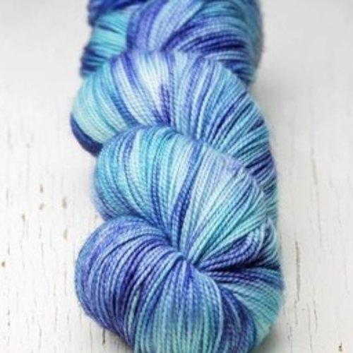 Meadowcroft Dyeworks Rockshelter Sock Blues (2)