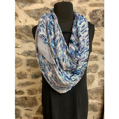 Purls of Wisdom Hug Shot Shawl Kit