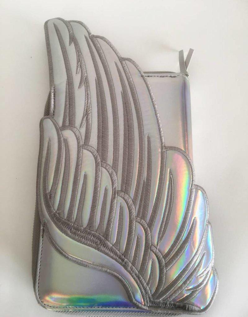 Fydelity Clutch Case w/Silver Wings