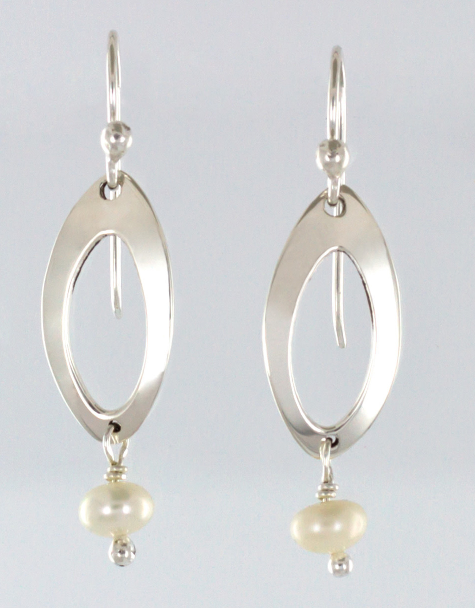 Mexico, Cutout Oval w/ white fresh water pearl