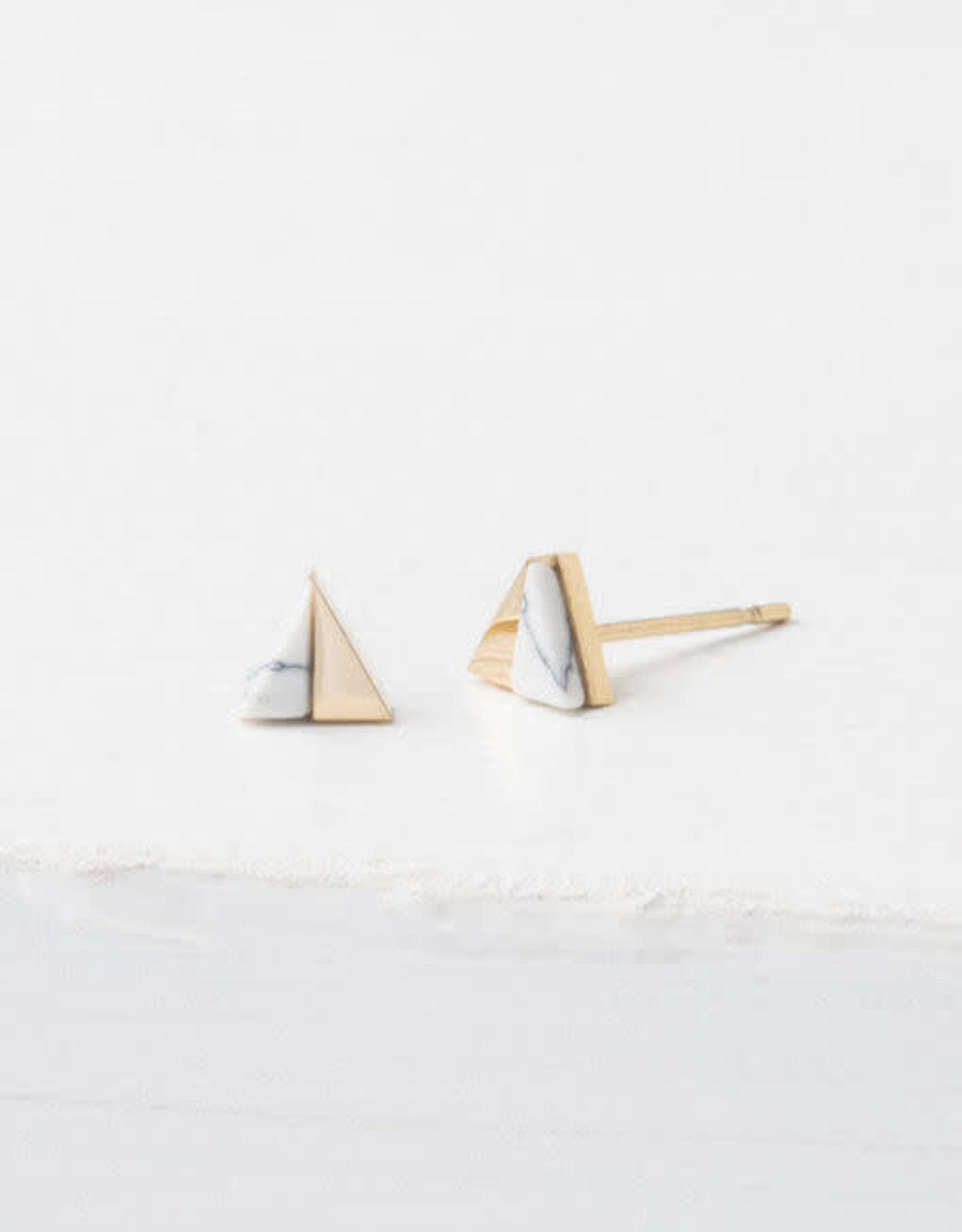 China, Cassia Gold and White Stud Earrings