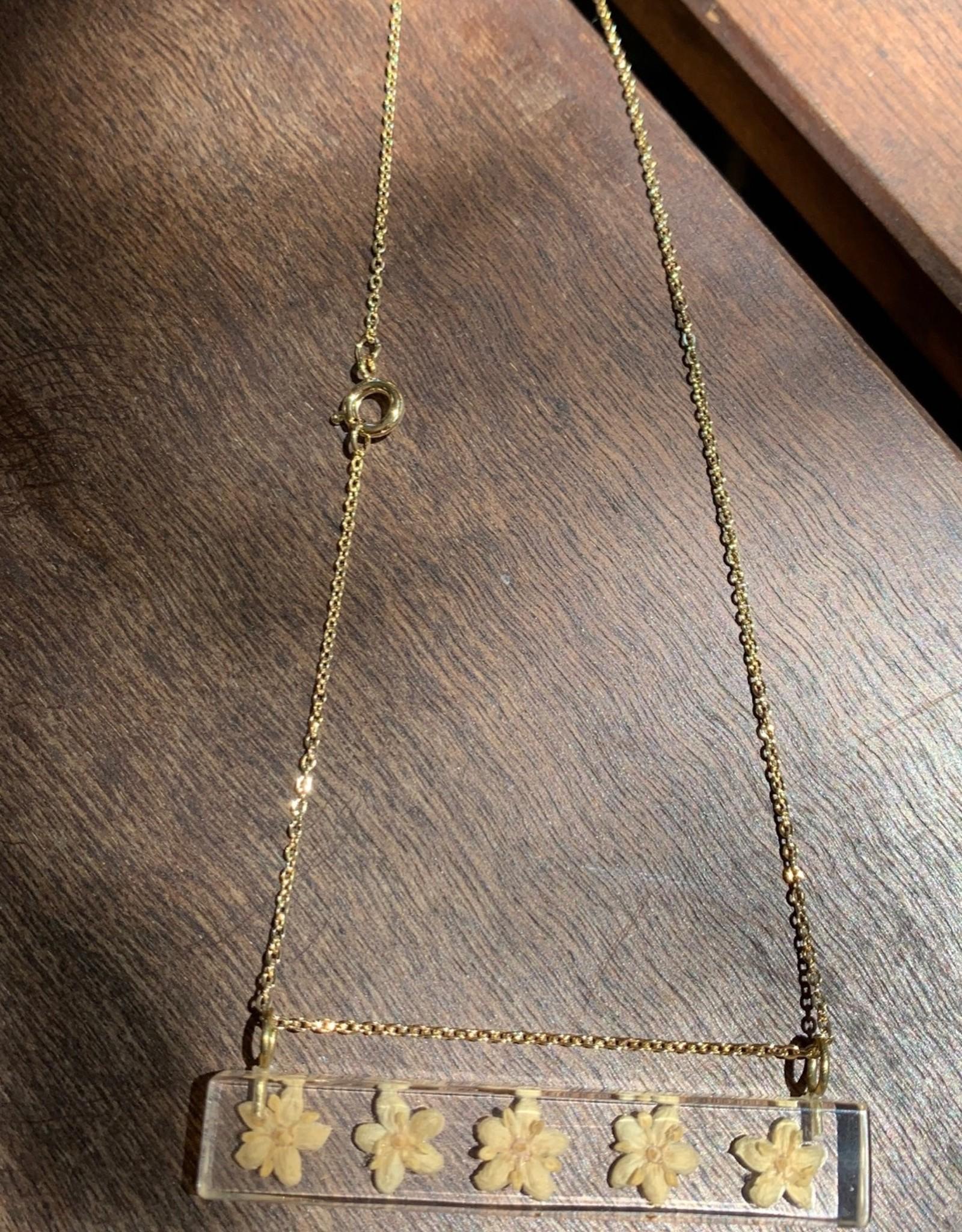 Palito Rectangle w/ Elderflower Pendant