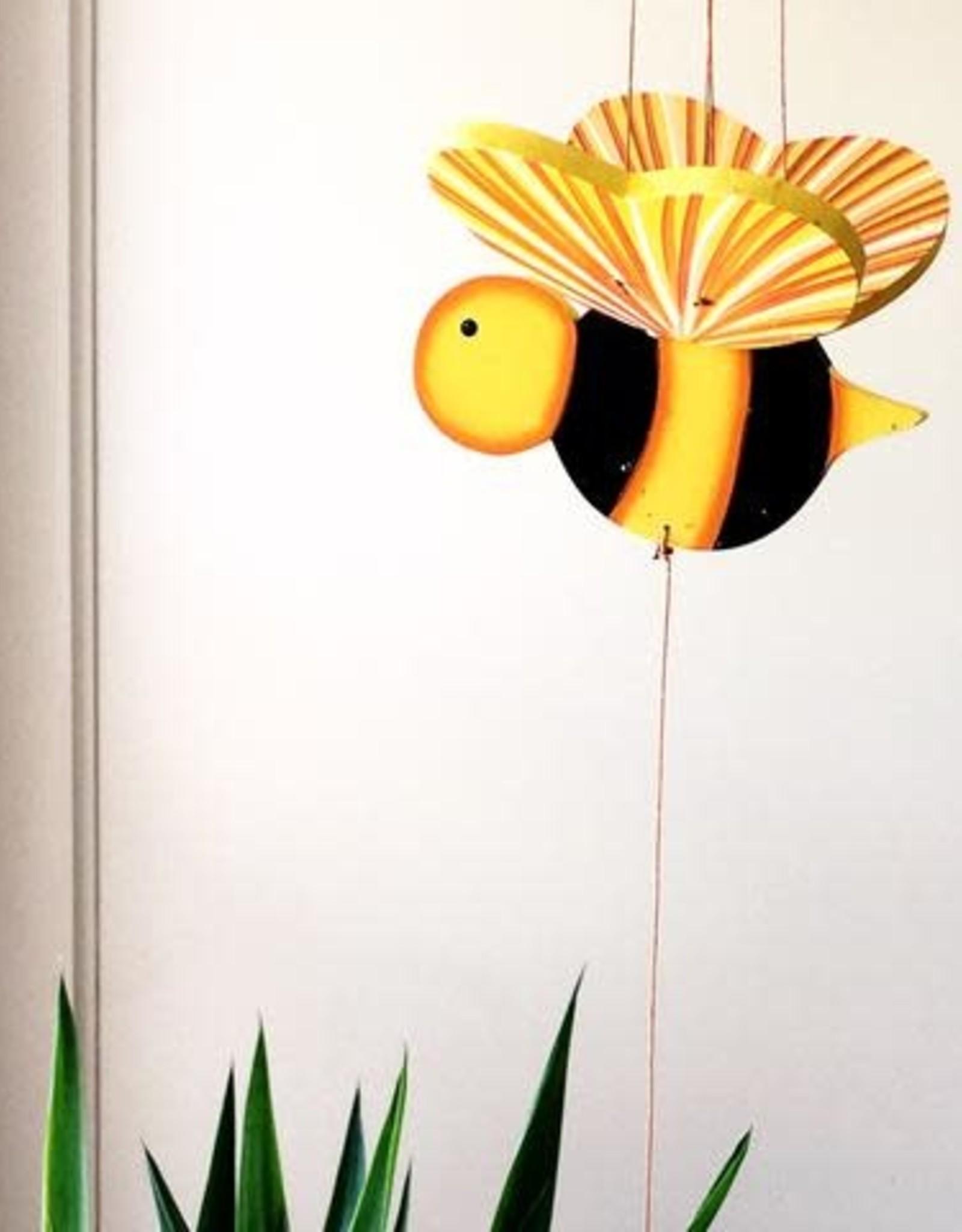 Tulia's Small Mobile, Bee