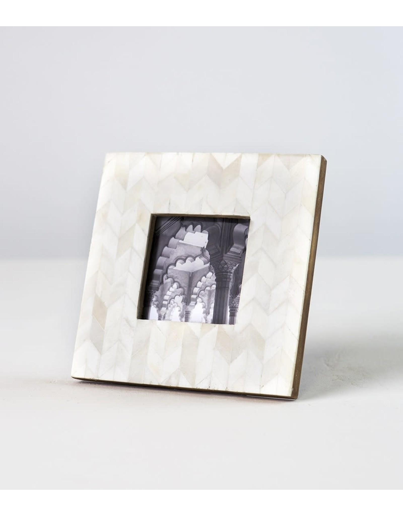 Artemis Pearl Frame, 3 x 3, India