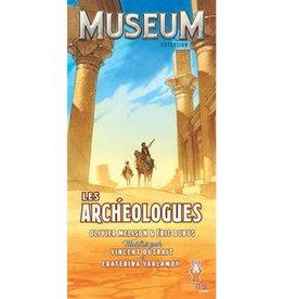 Holy Grail Games Museum: Ext. Les Archéologues (FR)