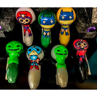 CHARACTER GLASS SPOON PIPE