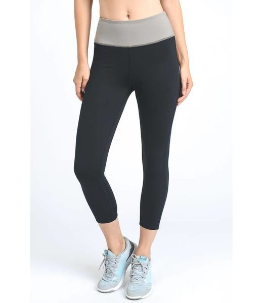 Breezy Waist Wrap Capri Leggings