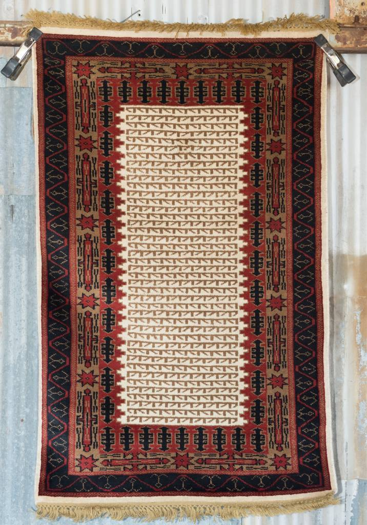 2 ½' x 4' Indian Handmade Red/Black Pashmina Rug