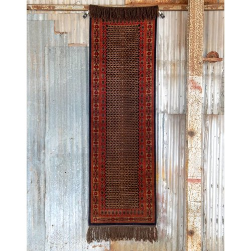 2 ½' x 8' Indian Handmade Black/Cream/Red Pashmina Rug