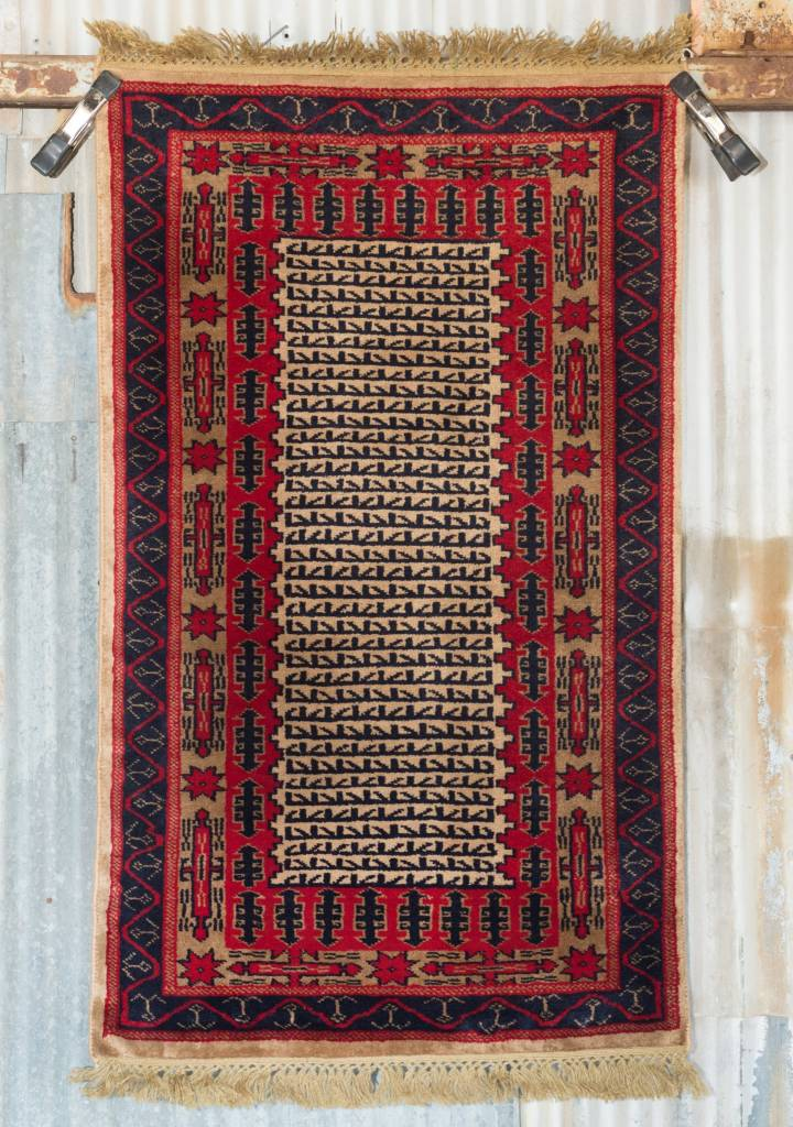 2' ½ x 4' Indian Handmade Cream/Red Pashmina Rug