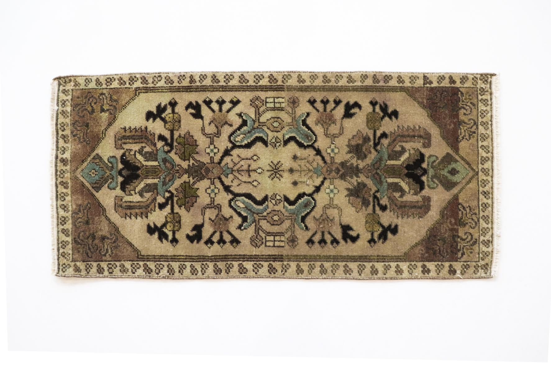 Handmade Vintage Turkish KilimRug - Boho Deco