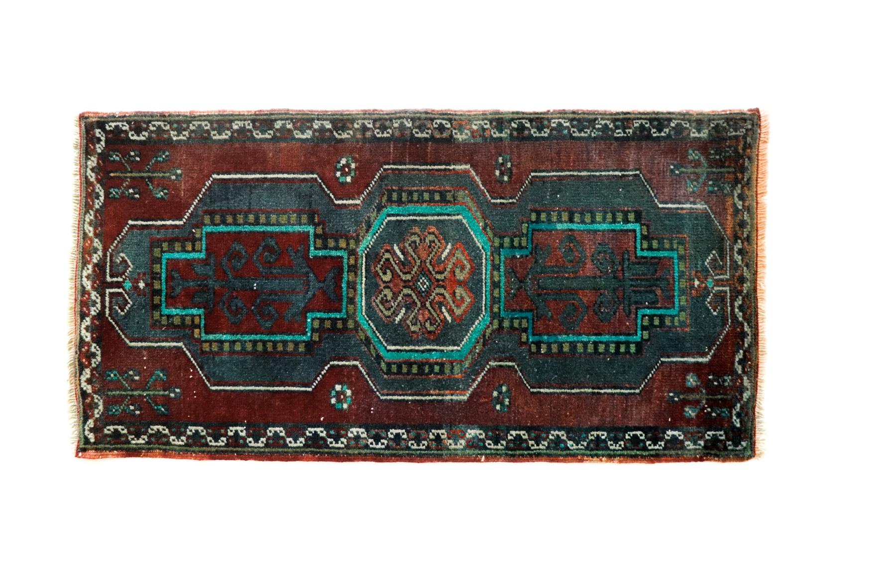 Handmade Vintage Turkishg Kilim Rug - Burgundy and Teal